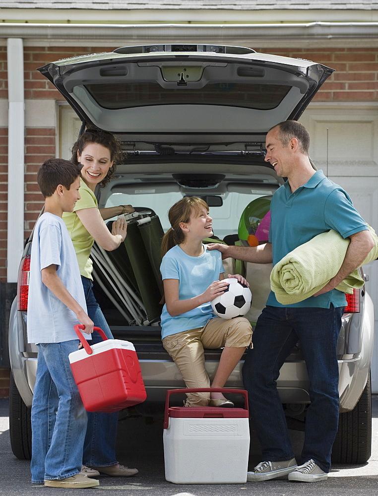 Porodično pakovanje auta za odmor